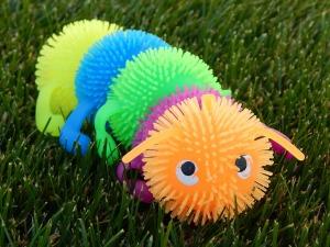 caterpillar-503113_1280